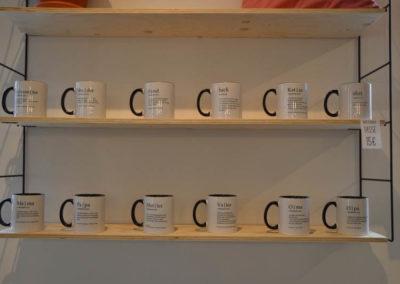 BOGG Design Laden von innen - bedruckte Tassen