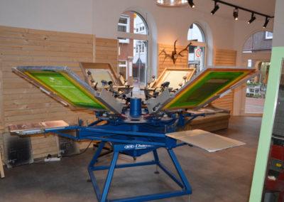 BOGG Design Laden von innen - Siebdruckmaschine